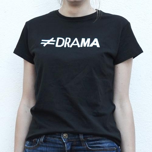camiseta chica drama