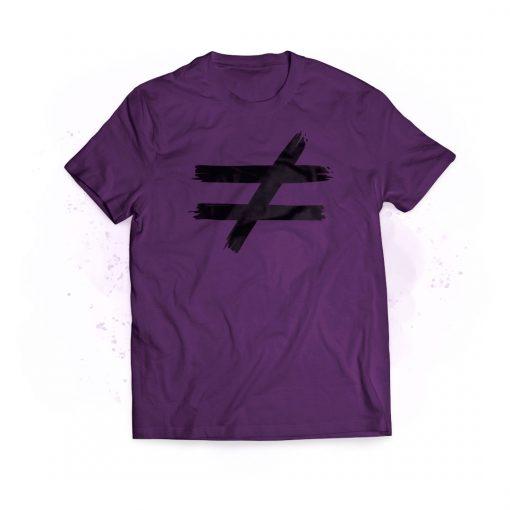 camiseta violeta distinta hombre